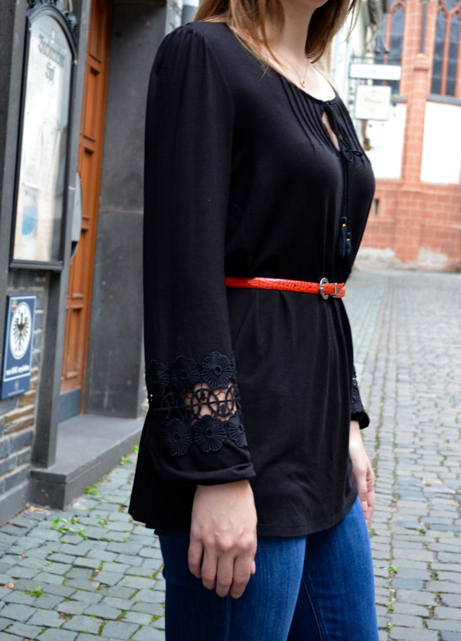Tall tunic lace sleeves