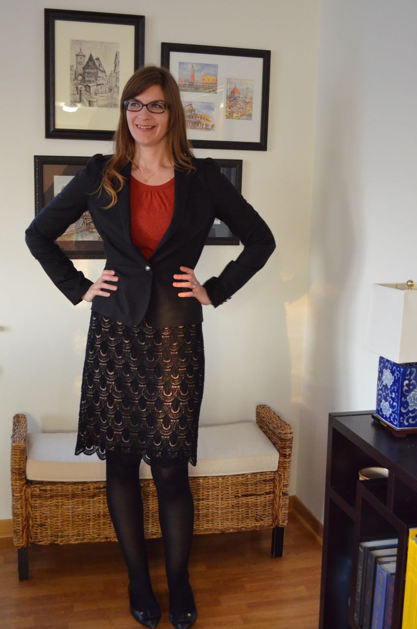 Workwear for tall women - Ann Taylor lace skirt, Banana Republic puff-sleeve blazer, Tory Burch flats