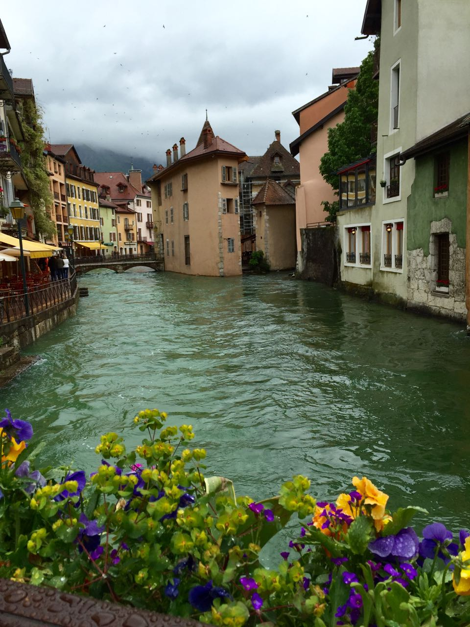 Canals and pretty buildings in Annecy