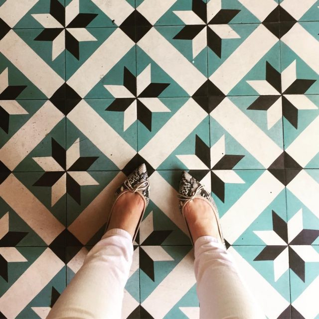 Its a white jeans prettyballerinas and cool tiles kinda day!hellip