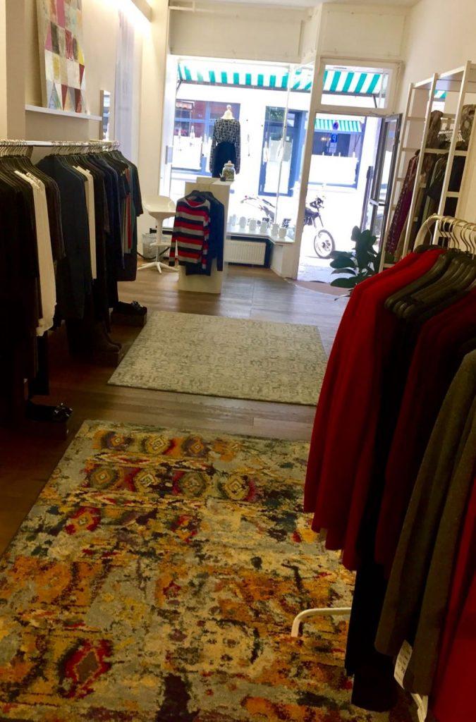 JuNi Fashion in Frankfurt - Clothing boutique for tall women